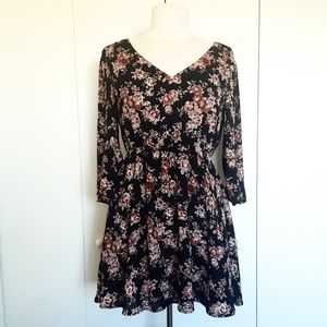 FOREVER 21 Floral Flowy Dress Size M